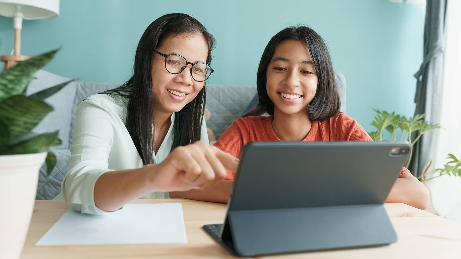 Parents are choosing Informatics Online School for their Kids. Here's why.