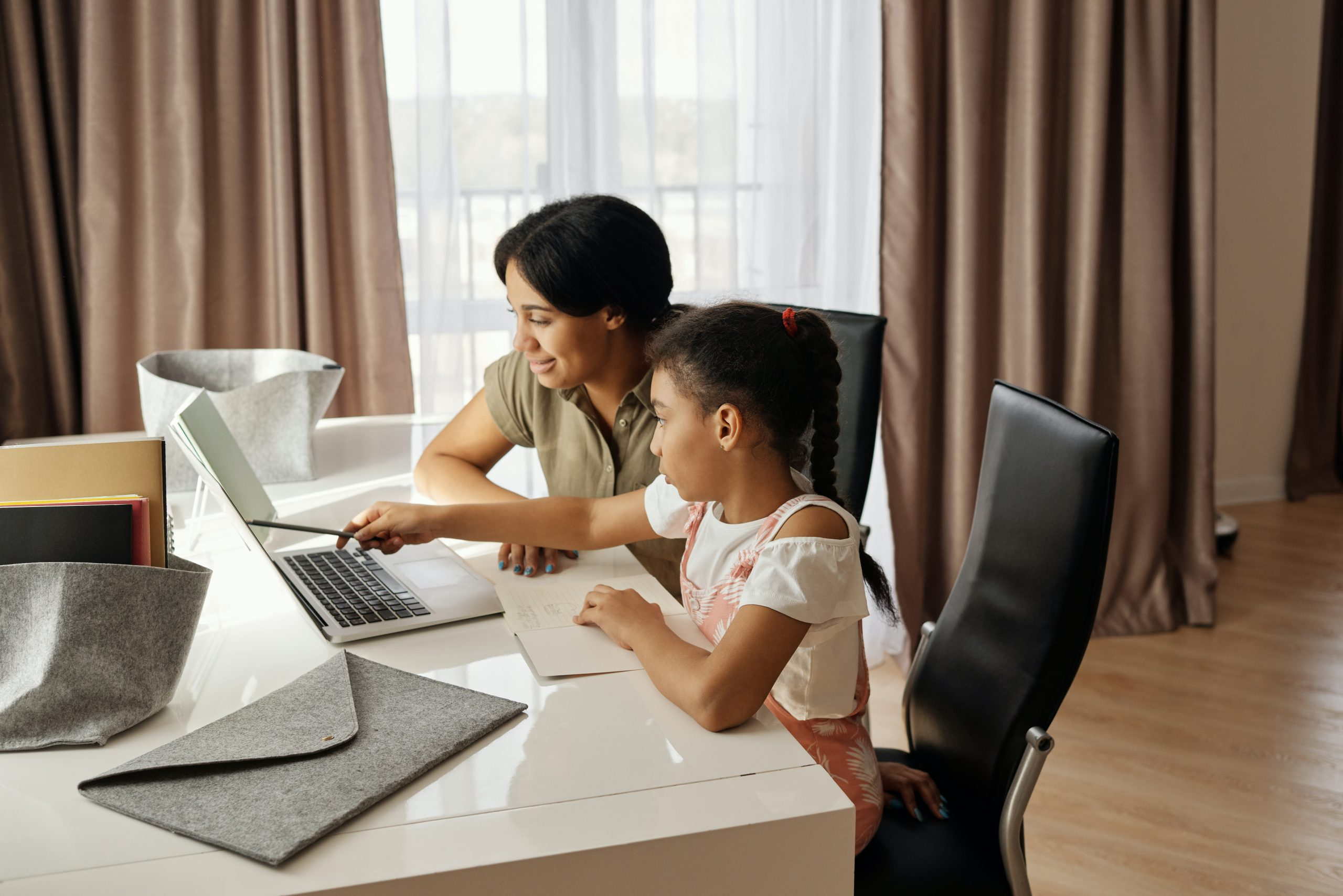 5 Tips to Make Online Classes Work for Your Child